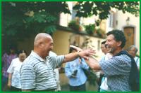 Tui Shou endiablé entre Monsieur Pan et Christian Bernapel à la sortie d'une bonne table (festival 1995)